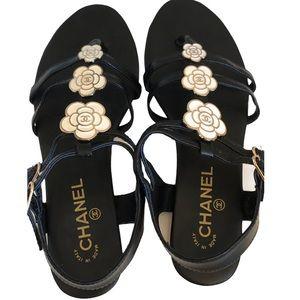 Chanel Leather Enamel Camellia Flower Sandals Sz 9